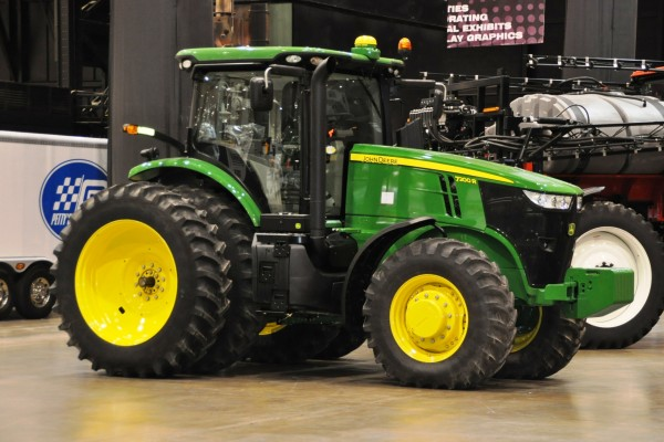 Piston Power Show 11 Cle Tractor