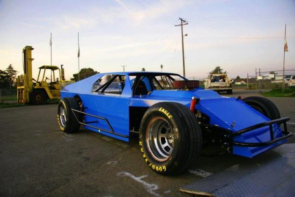 Modified circle track Deuces Wild Racing