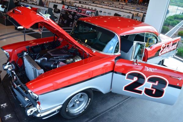 Edelbrock 57 Chevy 053