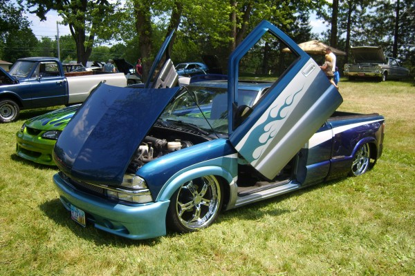 Chevy S-10 with Lambo-style doors