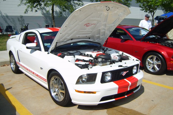 White 2006 Ford Mustang GT