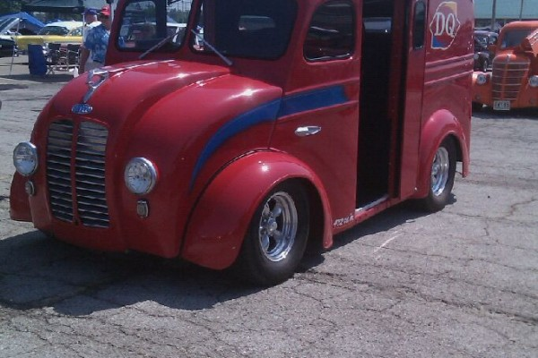 Hot rod Dairy Queen van