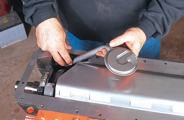 Mopar Performance windage tray and pickup