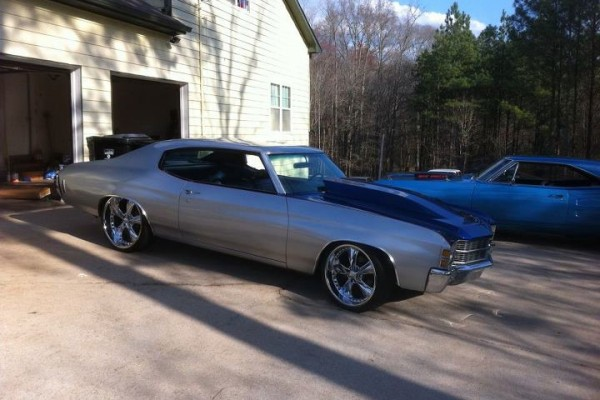 Silver Chevy Chevelle