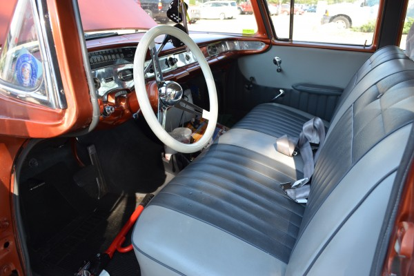 1958 Chevy Nomad, interior