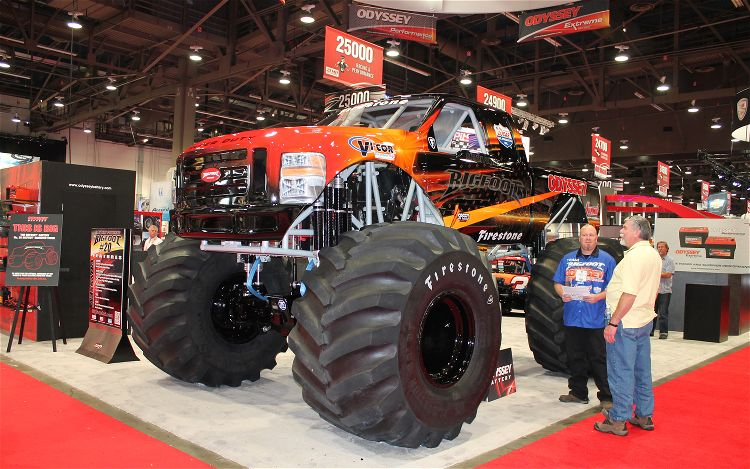 Electric Vehicles For Kids >> Video: The All-Electric BIGFOOT #20 Monster Truck ...