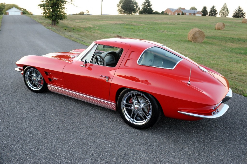 See six ranking the corvette generations onallcylinders for 1967 corvette stingray split window