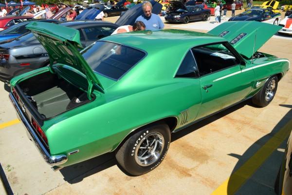 1969 Camaro SS Green back