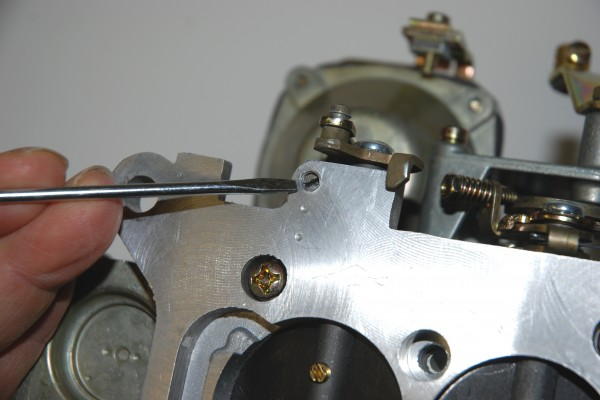 Adjusting Idle Mixture Screws