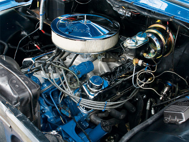 Ford 351 Windsor engine
