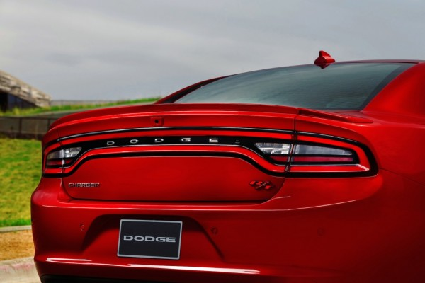 2015-dodge-charger_100464367_l