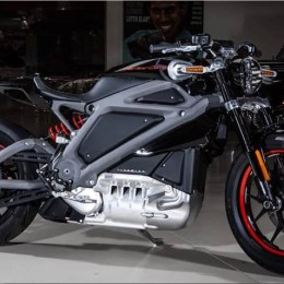 Video: Leno Tests Harley-Davidson's Livewire EV