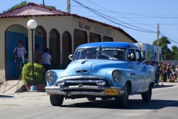 Cuba-Cars-Blue_0
