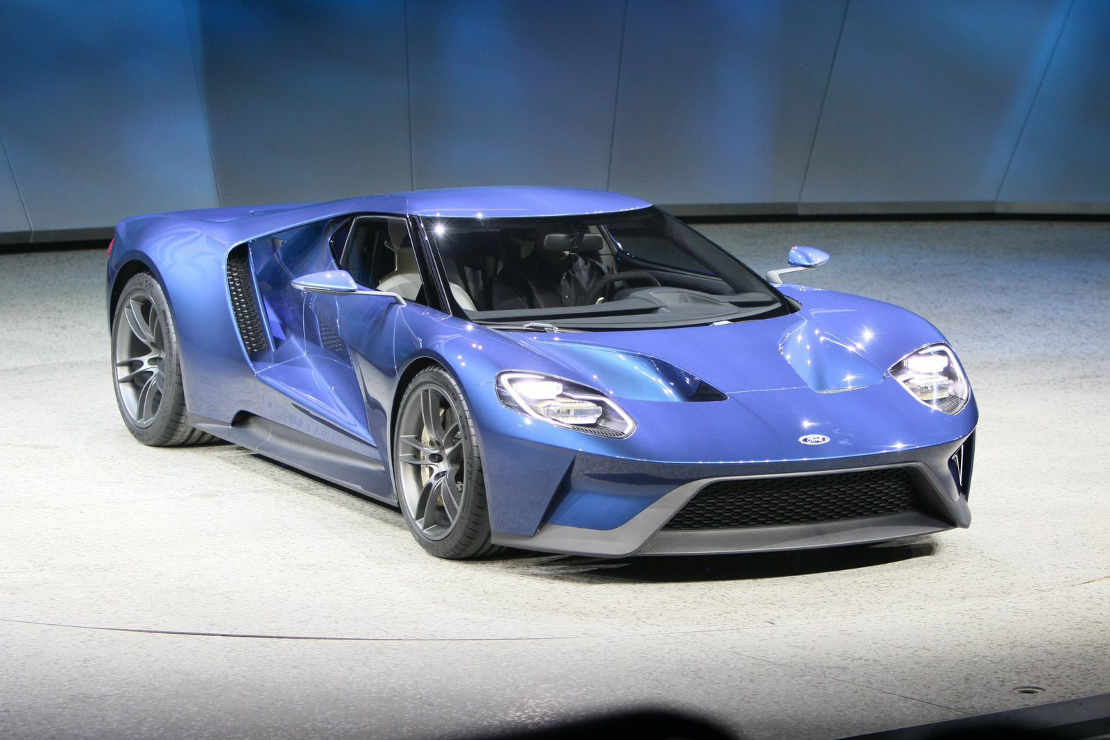 ford unveils 600 hp twin turbo ecoboost v6 gt supercar at detroit auto show onallcylinders. Black Bedroom Furniture Sets. Home Design Ideas