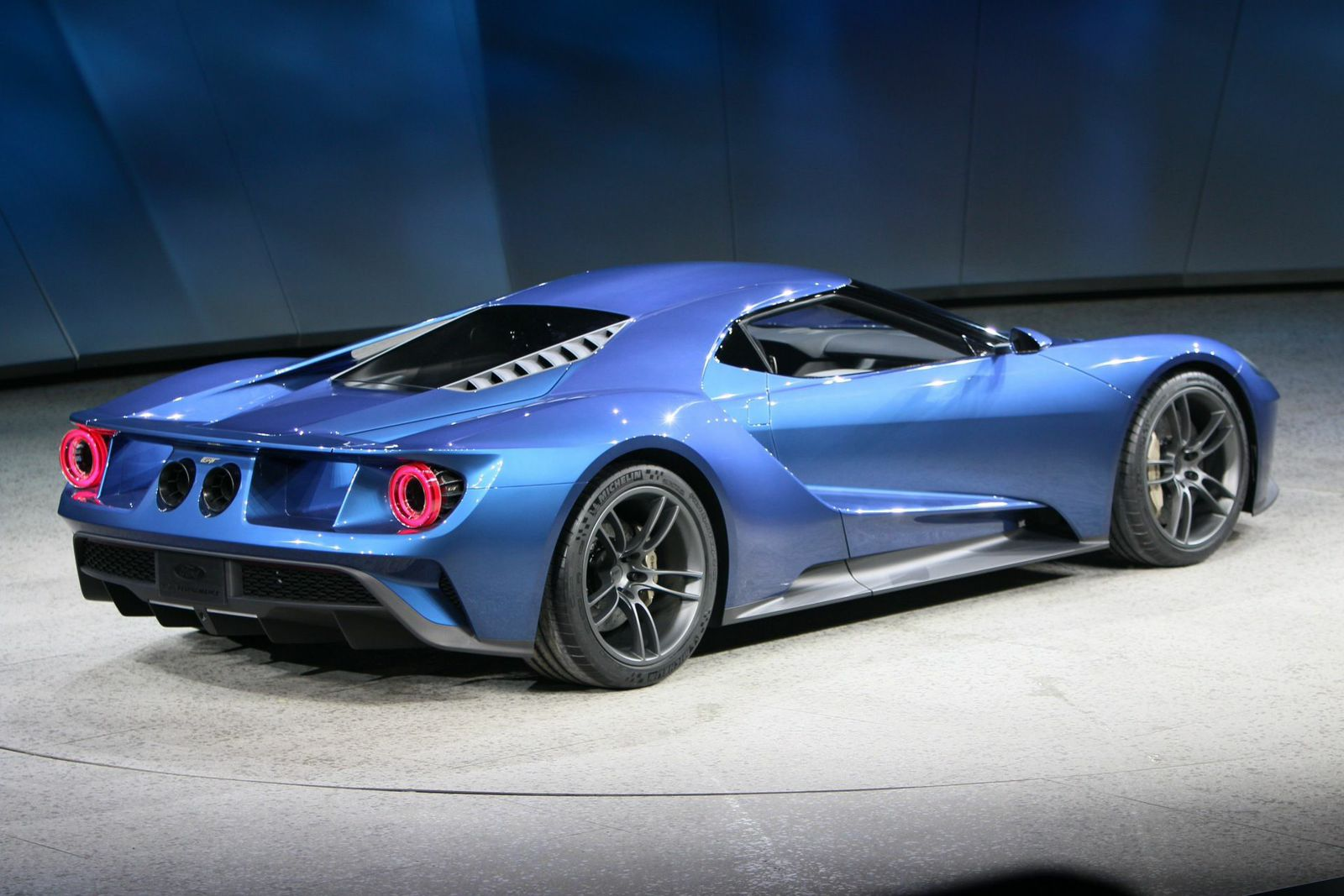 Onallcylinders ford unveils 600 hp twin turbo ecoboost v6 gt supercar at detroit auto show