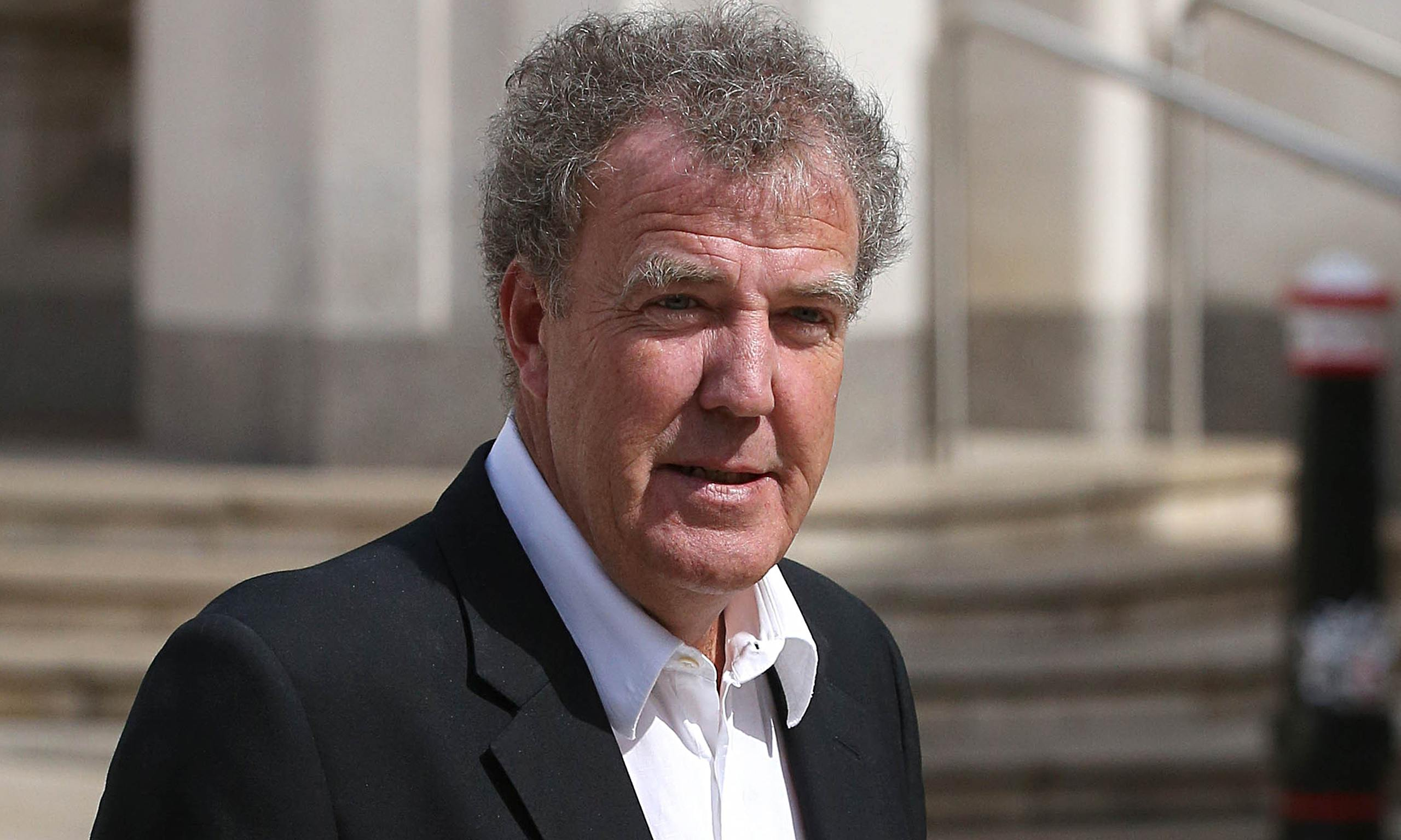 top gear host jeremy clarkson suspended by bbc onallcylinders. Black Bedroom Furniture Sets. Home Design Ideas