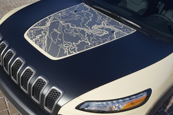 """Jeep® Cherokee Canyon Trail """"Hell's Revenge"""" topographical hood map"""