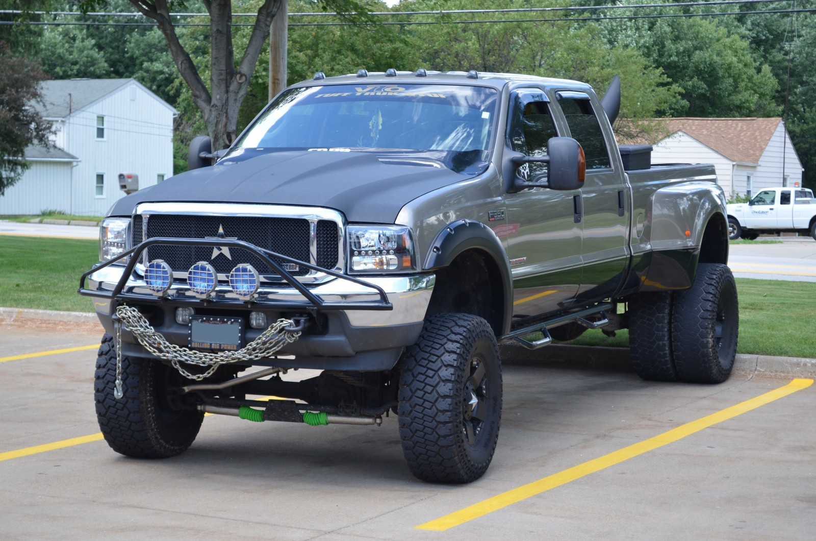 Lot Shots Find of the Week: Ford F-350 Diesel - OnAllCylinders