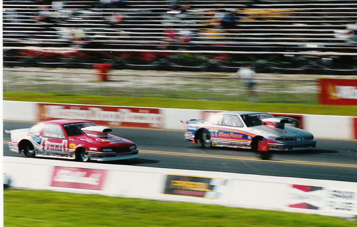 Summit Racing Pro Stock driver Joe Lepone Jr. races Mark Pawuk at the 1992 Gator Nationals. Lepone Jr. passed away July 12.