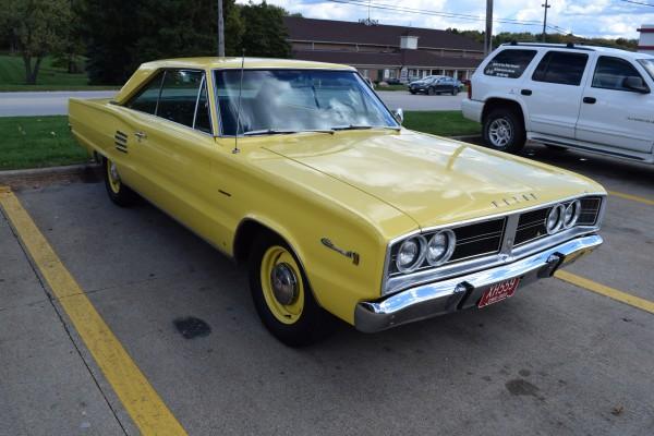 1966 Dodge Coronet 440 magnum yellow 9