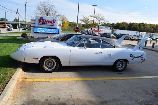 Plymouth Superbird white 9