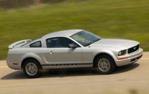 2007_ford_mustang_coupe_premium_fq_oem_1_500