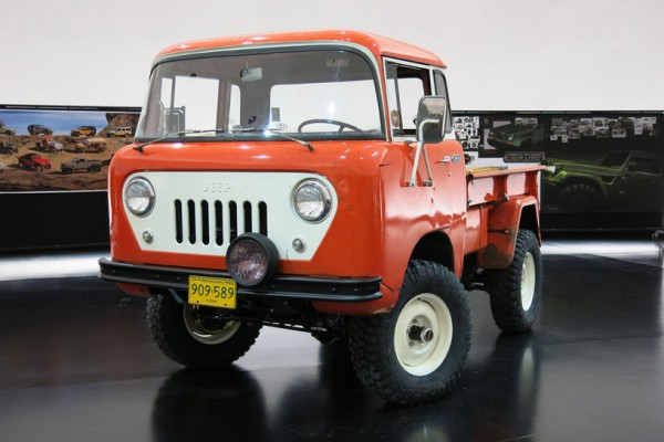 Jeep-FC-150-concept-front-three-quarter-02