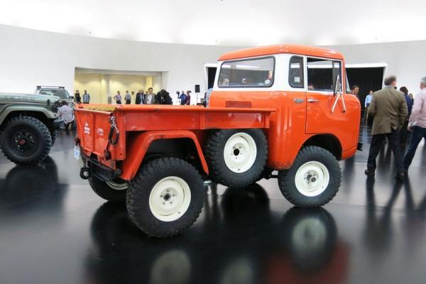 Jeep-FC-150-concept-rear-three-quarter