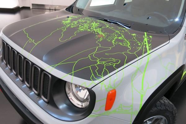 Jeep-Renegade-Commander-concept-hood