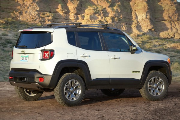 Jeep-Renegade-Commander-concept-rear-side-view