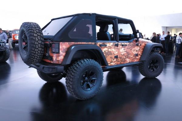 Jeep-Trailstorm-concept-rear-three-quarter