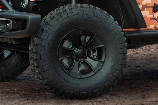 Jeep-Trailstorm-concept-tire