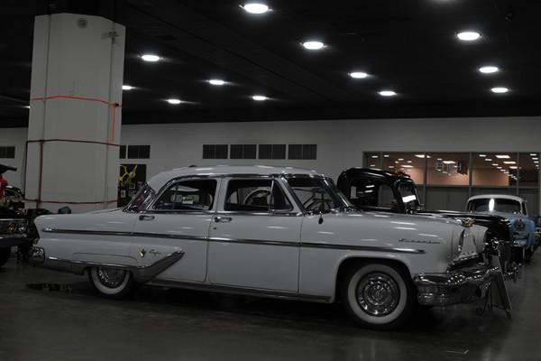 2016 Detroit Autorama Vehicles (129)