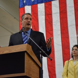 Congressman Tim Ryan Visits Summit Racing to Express Support for Racers