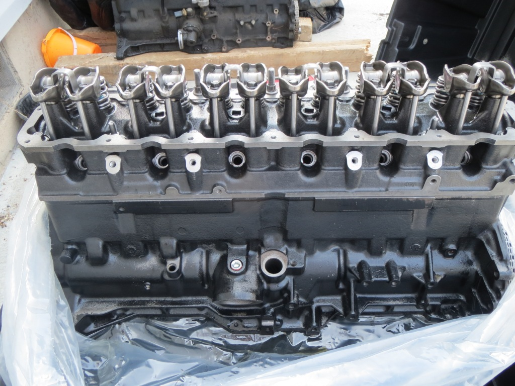 Jeep 4.0L straight six