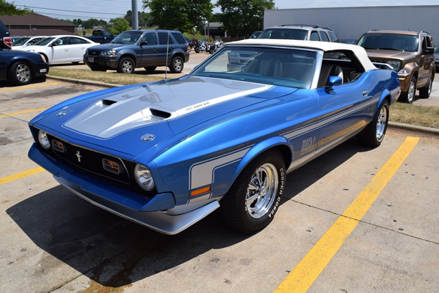 lot shots find of the week 1972 ford mustang mach 1 convertible onallcylinders. Black Bedroom Furniture Sets. Home Design Ideas