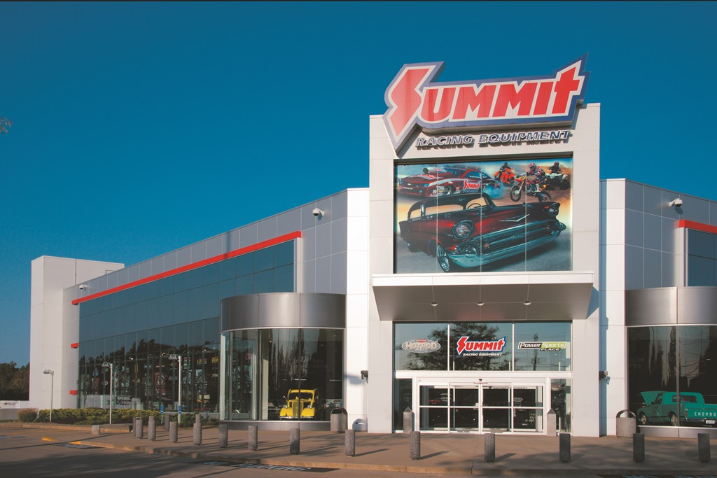 I looked around the rest of the store and damn, it was sad. Here's what I surmise - Summit Racing makes their money off of catalog and internet sales. This location in McDonough must be one of their main distribution points. The physical store location seems to only exist for