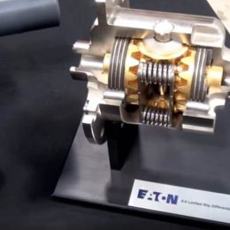 Video: Guide to Eaton and Detroit Locker Differentials