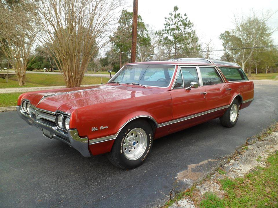 1966 Oldsmobile Vista Cruiser