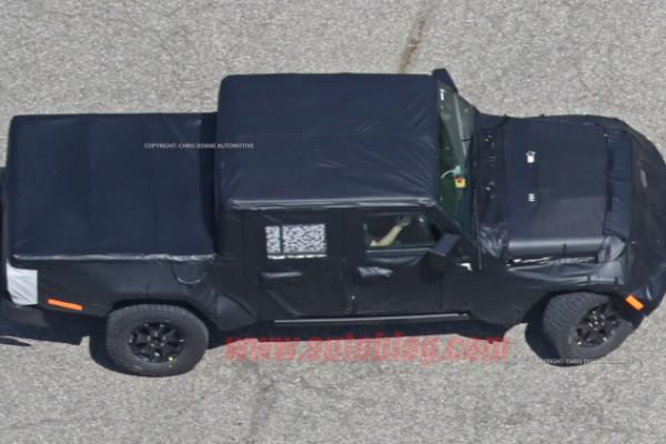 Jeep Wrangler pickup spyshot 2