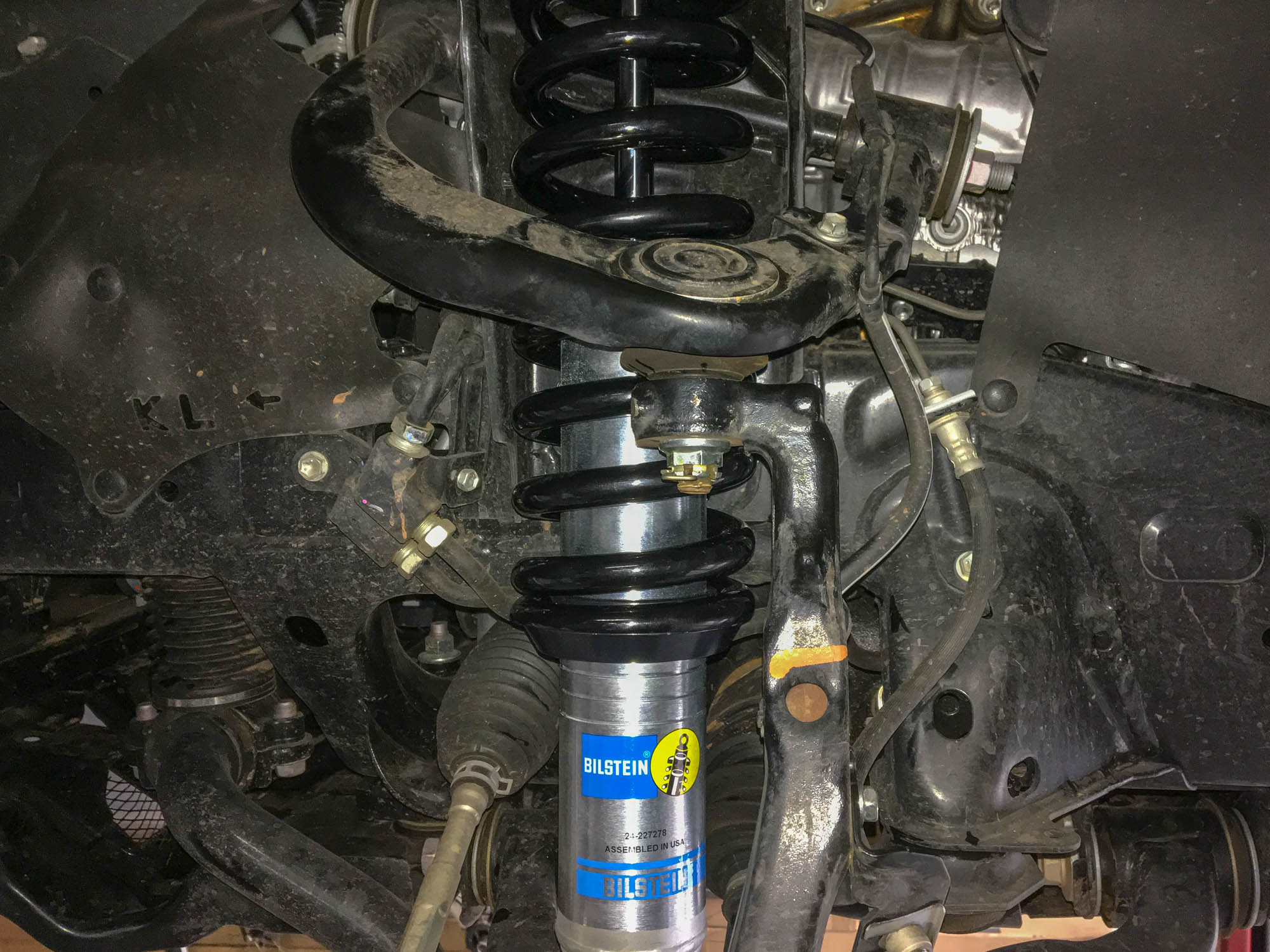 Why Leveling Shocks Outperform Coil Spacer Kits in Off ...