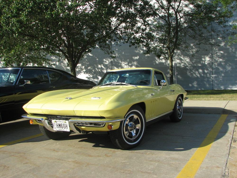 Chevy Corvette Sting Ray, Yellow