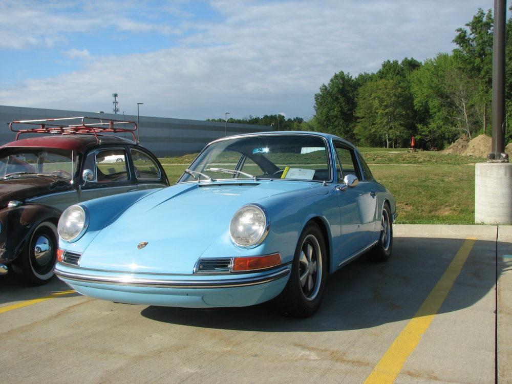 Porsche 911, Light Blue