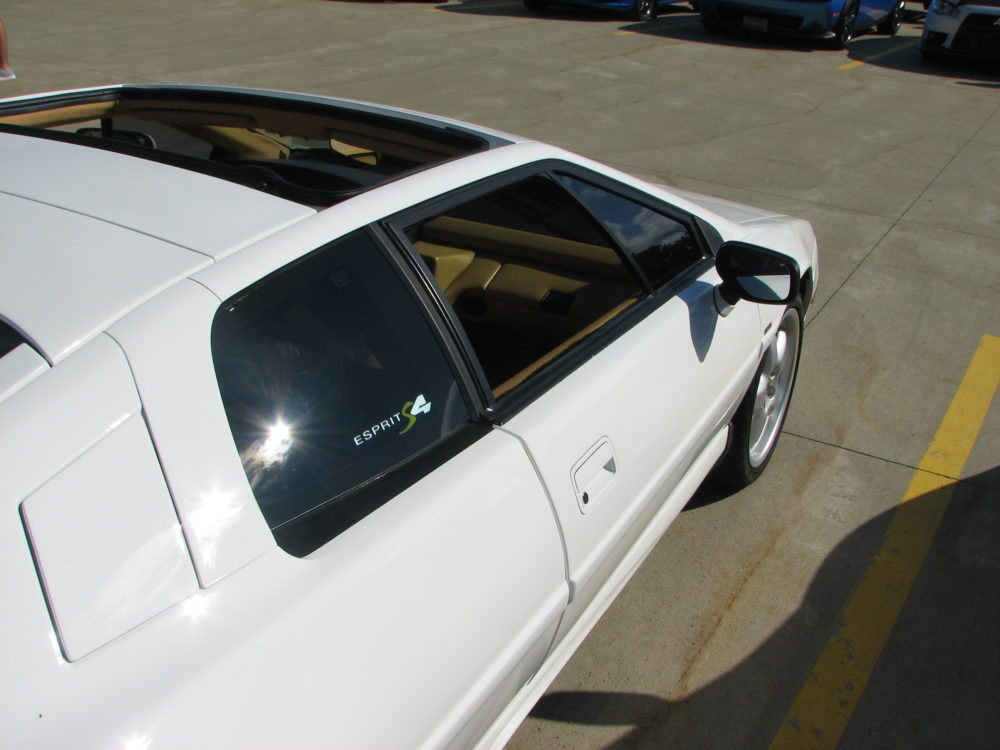 1994 Lotus Esprit S4, Side View
