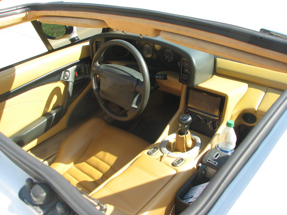 1994 Lotus Esprit S4, Cockpit
