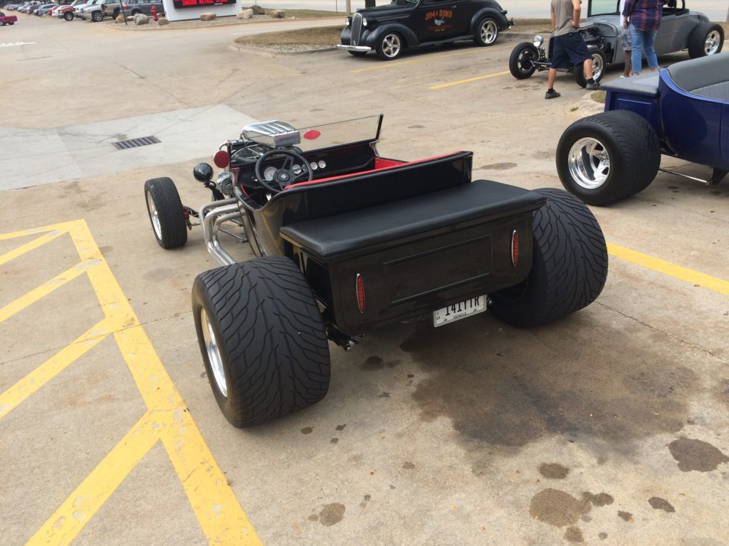 Ford T-Bucket, Black Rear