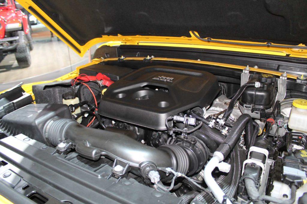 2018-Jeep-Wrangler-Detroit-Auto-Show-2-Liter-Engine