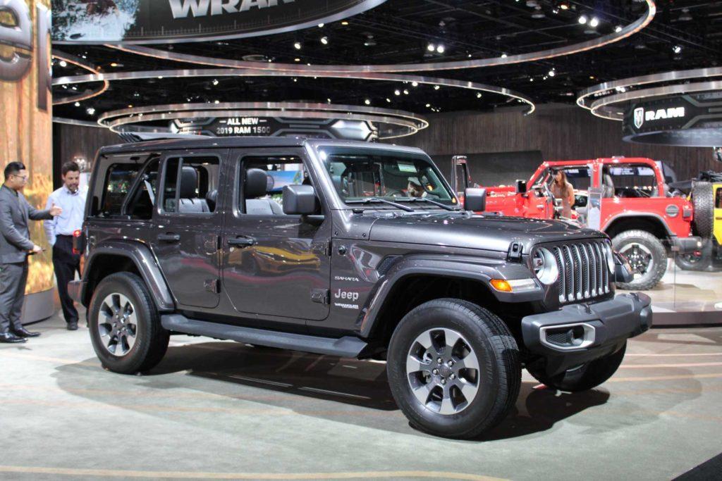 2018-Jeep-Wrangler-Detroit-Auto-Show-Passenger-Side