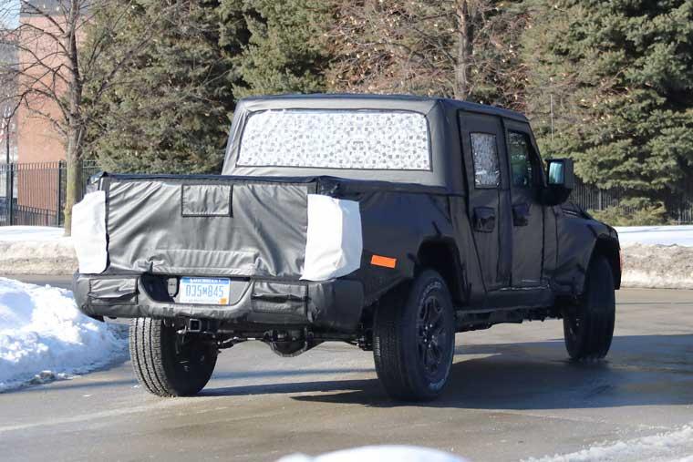 Jeep-Scrambler-Spy-Shot,-Rear