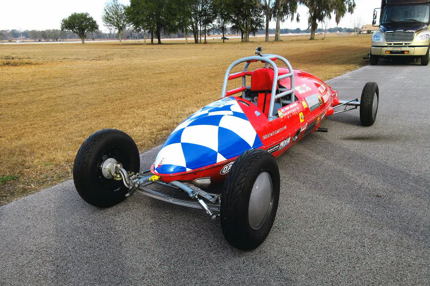 Belly-Tank-Racer,-Front